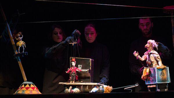 """სცენა სპექტაკლიდან """"რამონა. - Sputnik საქართველო"""