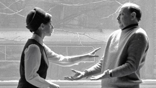 Артисты Грузинского драматического театра им. К. Марджанишвили Софико Чиаурели (слева) и Котэ Махарадзе (справа). - Sputnik Грузия