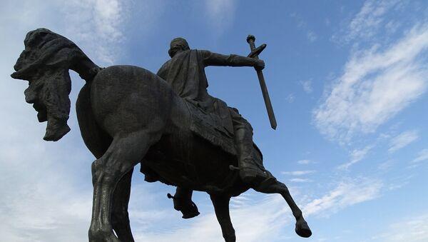 Статуя в парке Телави - Sputnik Грузия