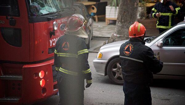 Сотрудники пожарной службы - Sputnik Грузия