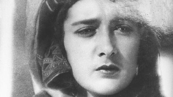 Актриса Нато Вачнадзе в кадре из фильма Колыбель поэта - Sputnik Грузия