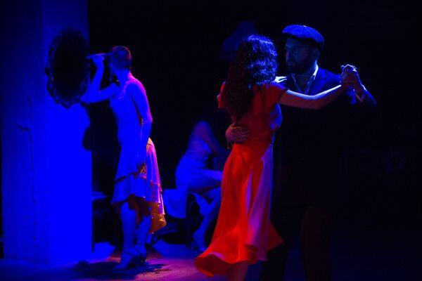 Истории любви и танго - так Ирма Шарикадзе постаралась передать зрителям суть историй четырех женщин и их эмоции. - Sputnik Грузия