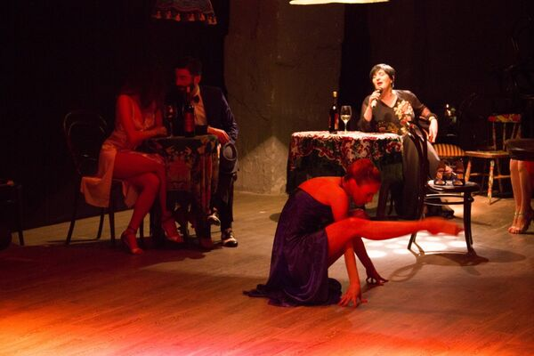 Это было повествование в четырех танцах о драматических любовных историях нескольких женщин, - рассказала Ирма Шарикадзе. - Sputnik Грузия