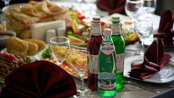 Столик в ресторане - Sputnik Грузия