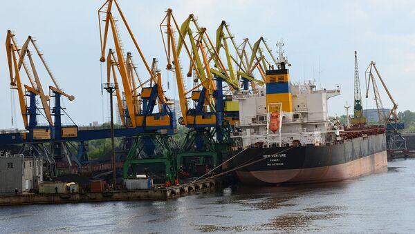 Корабли в порту - Sputnik Грузия