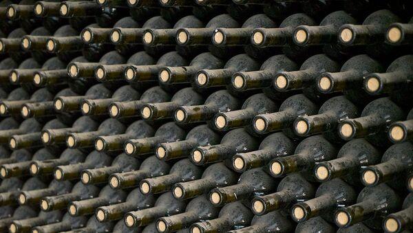 Винный погреб одного из винных заводов Грузии - Sputnik Грузия