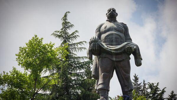 Памятник Отцу Солдата в селе Гурджаани, Восточная Грузия - Sputnik Грузия