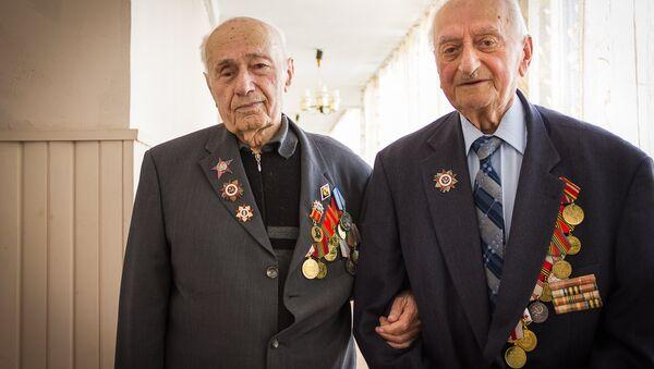 Ветераны Шалва Божадзе и Давид Джишкариани - Sputnik Грузия