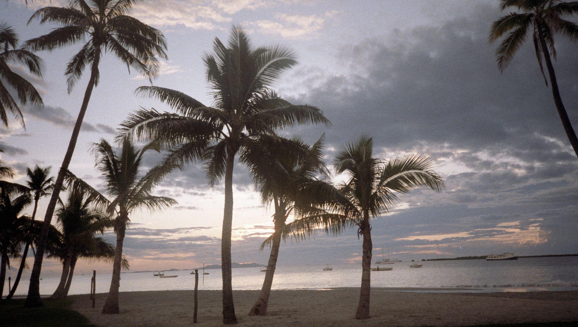 Фиджи. Песчаный пляж на острове Виту-Леви - Sputnik Грузия, 1920, 11.07.2021