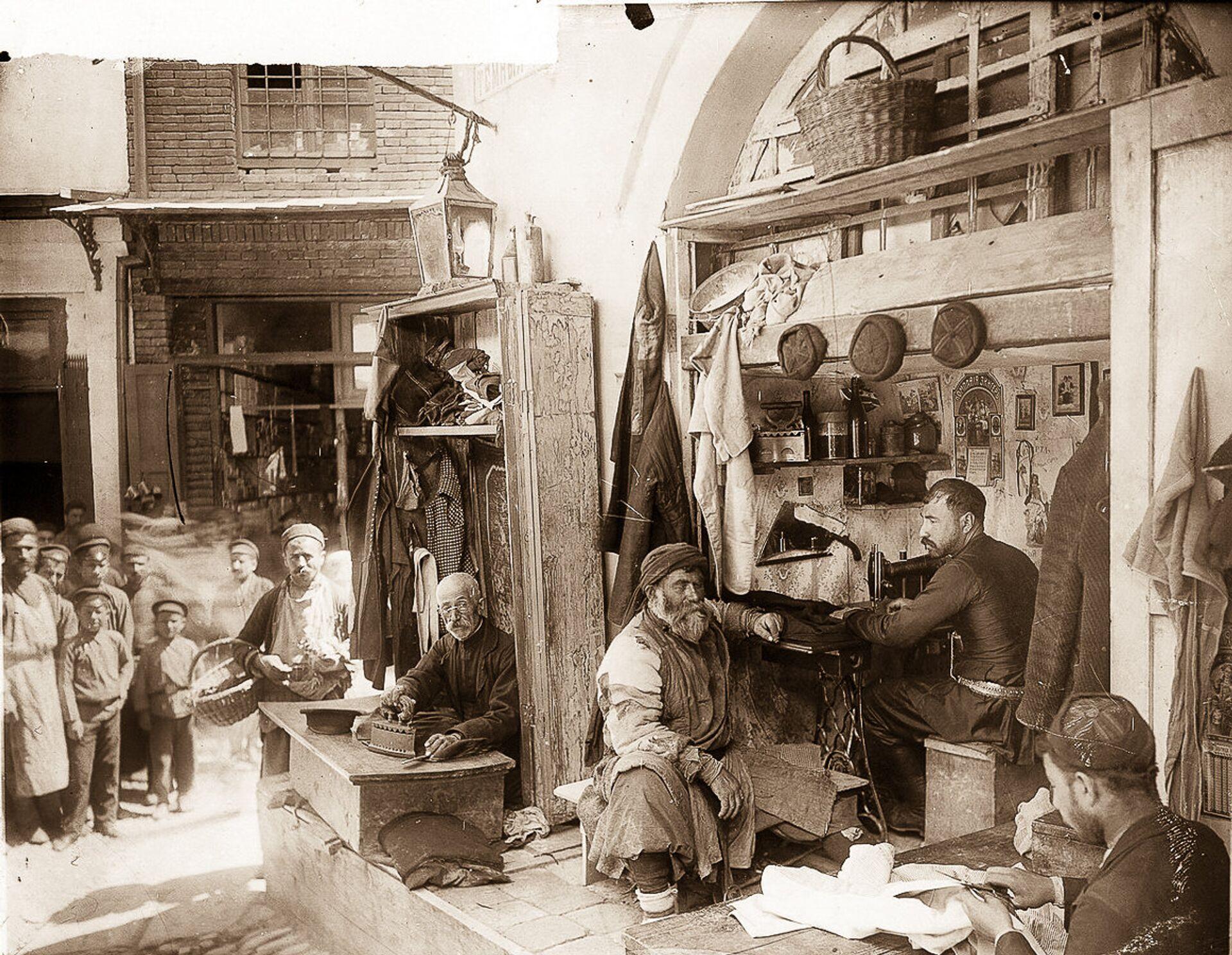 История, которая может стать кинохитом, или Тифлисская сага о борьбе за равноправие  - Sputnik Грузия, 1920, 26.02.2021
