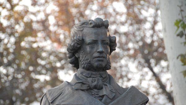 Автором бюста Пушкина в Тбилиси является Феликс Ходорович - Sputnik Грузия
