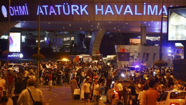 Atatürk Havalimanı'nda saldırı - Sputnik Грузия