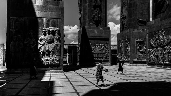 Монумент История Грузии, скульптор - Зураб Церетели - Sputnik Грузия