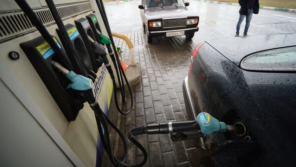 Акцизы на бензин и дизельное топливо повысили с 1 апреля - Sputnik Грузия