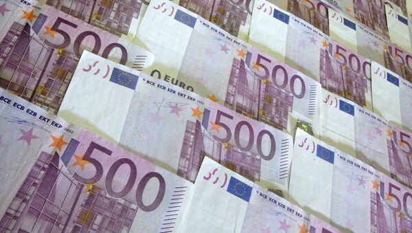 Денежные купюры и монеты разных стран. 500 евро - Sputnik Грузия