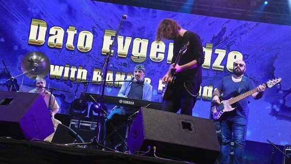 Ника Кочаров на концерте Давида Эвгенидзе - Sputnik Грузия