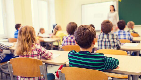 Ученики в классе - Sputnik Грузия