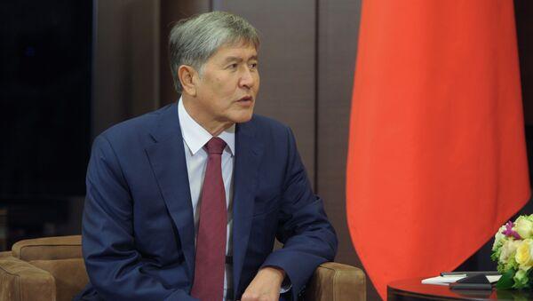 Президент Киргизии Алмазбек Атамбаев - Sputnik Грузия