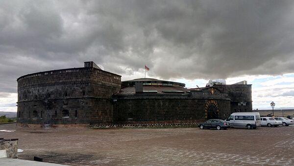 Черный замок в Гюмри - Sputnik Грузия