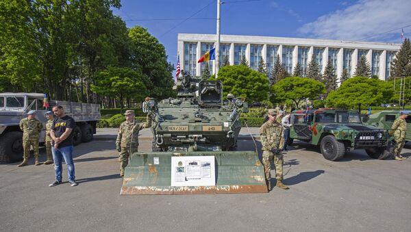 Военная техника США в Кишинёве - Sputnik Грузия