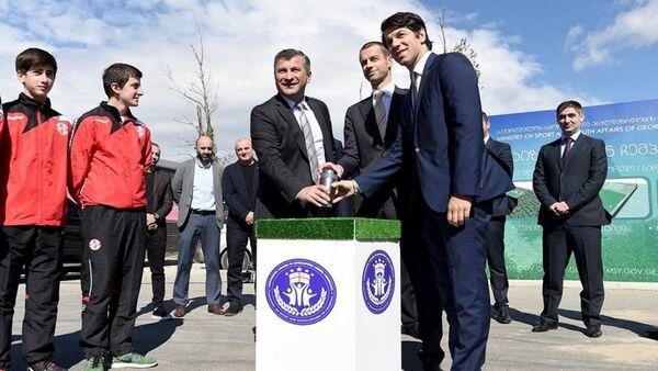 Церемония закладки капсулы, приуроченная к началу строительства семи футбольных и регбийных полей в Тбилиси - Sputnik Грузия