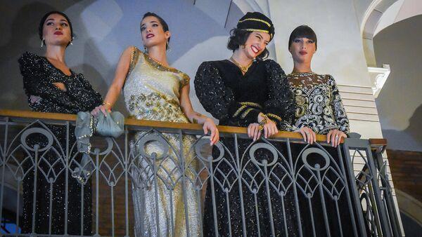 """ანსამბლ """"სუხიშვილების"""" მოცეკვავე გოგონები - Sputnik საქართველო"""