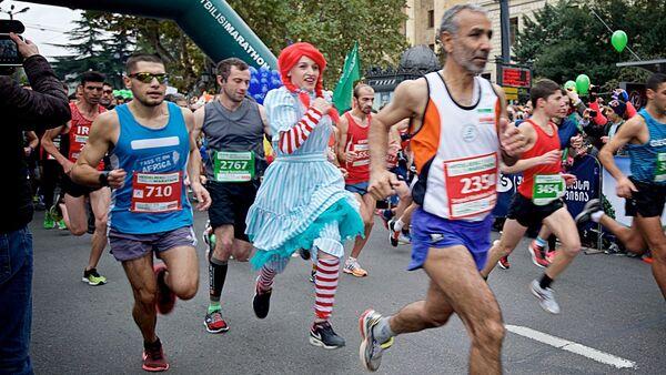 В тбилисском марафоне участвовали даже сказочные персонажи - Sputnik Грузия