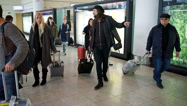 Тбилисский международный аэропорт - зона прибытия - Sputnik Грузия