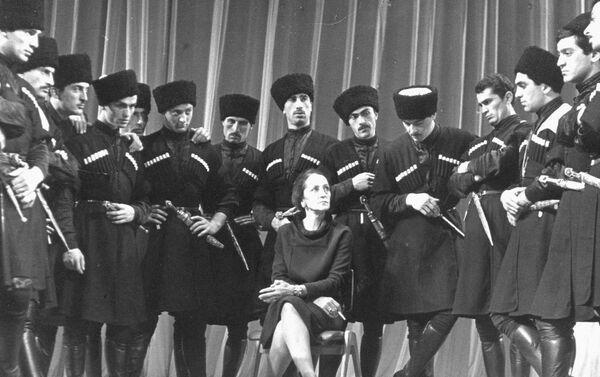 Балетмейстер, народная артистка СССР Нино Шалвовна Рамишвили - Sputnik Грузия