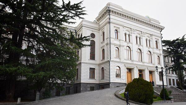 Здание первого корпуса Тбилисского государственного университета (ТГУ) - Sputnik Грузия