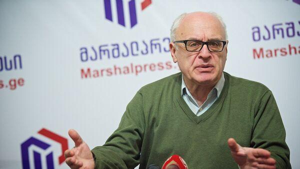 Грузинский эксперт и политолог Рамаз Сакварелидзе - Sputnik Грузия