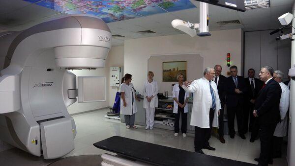 Новейшее оборудование для лечения рака - Sputnik Грузия