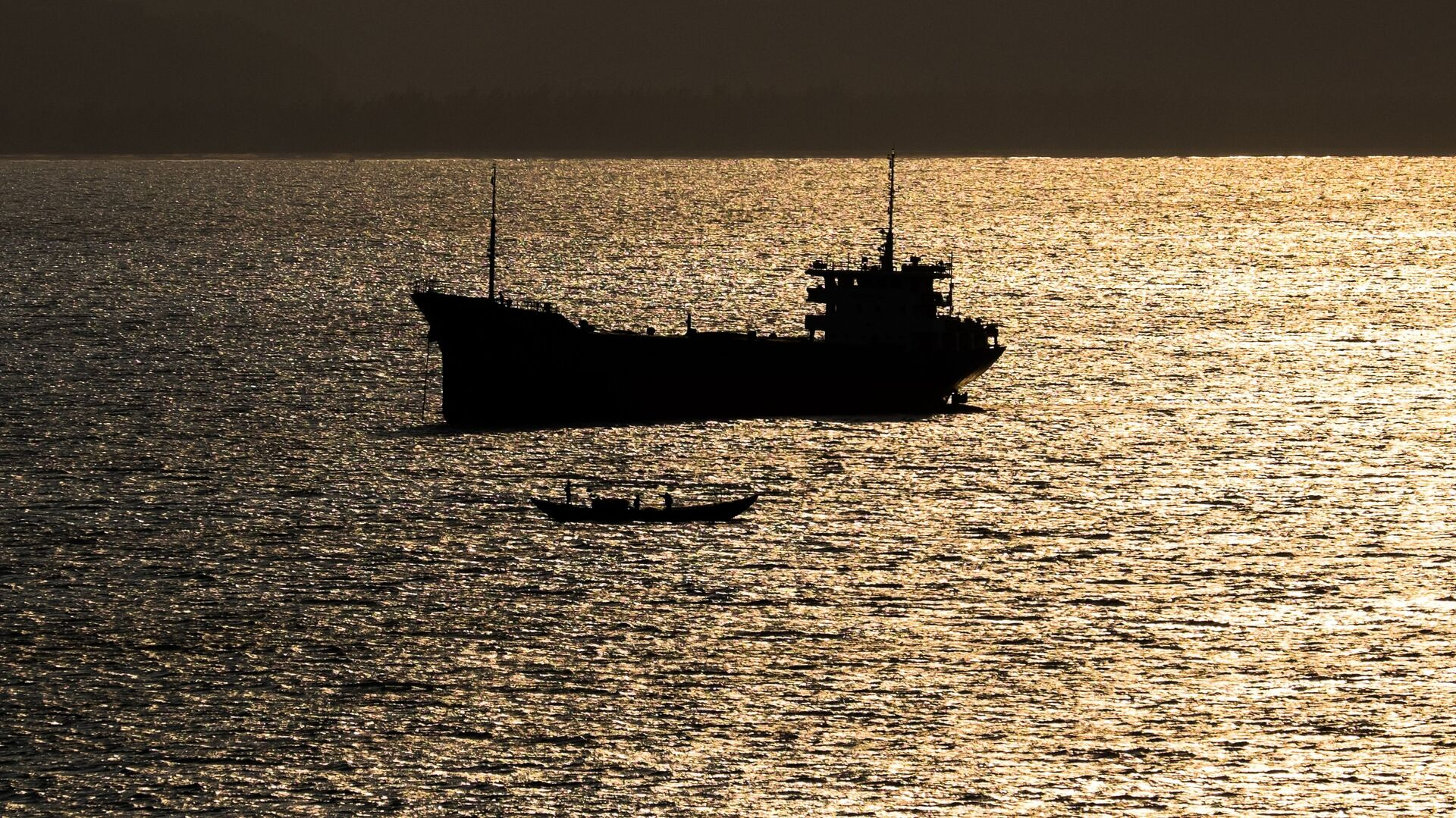 Грузовое судно в Южно-Китайское море в окрестностях Дананга - Sputnik Грузия, 1920, 05.09.2021