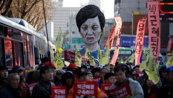 Сотни тысяч митингующих на улицах Сеула требуют отставки президента Южной Кореи - Sputnik Грузия