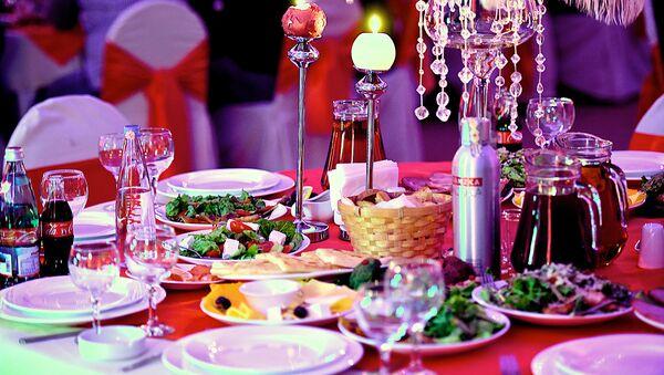 Праздничный стол - Sputnik Грузия