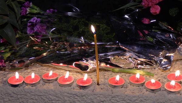 В Тбилиси прошла траурная акция в память о жертвах крушения Ту-154 - Sputnik Грузия
