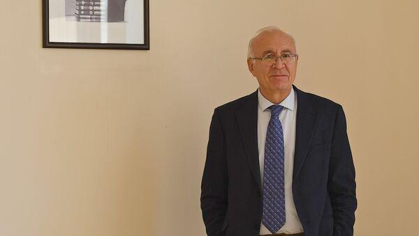Спецпредставитель премьера Грузии по урегулированию отношений с РФ Зураб Абашидзе - Sputnik Грузия