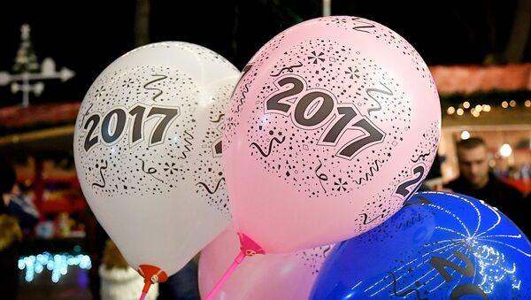 საჰაერო ბურთები წარწერით 2017 წელი - Sputnik საქართველო