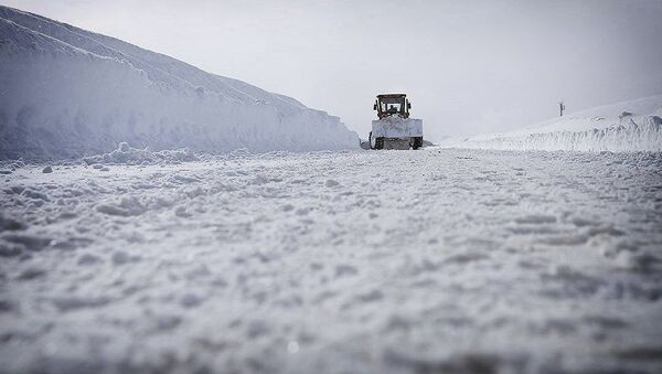 Дорога в снегу - Sputnik Грузия