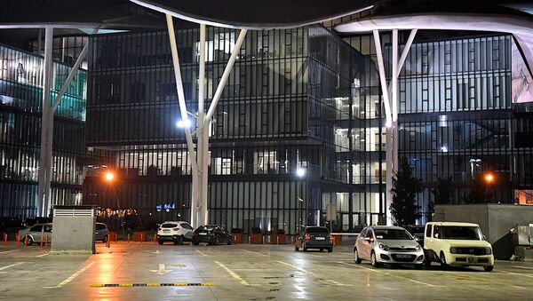 Дом Юстиции на тбилисской набережной - Sputnik Грузия