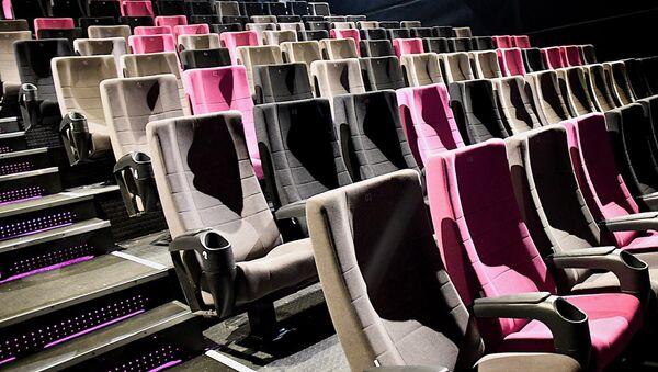 Кресла в зрительском зале в одном из тбилисских кинотеатров - Sputnik Грузия