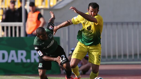 Футбол. Гиа Григалава (справа) в игре за Анжи - Sputnik Грузия