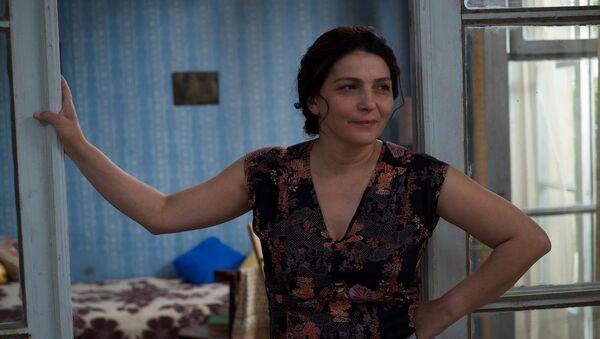 Ия Шуглиашвили в главной роли фильма Моя счастливая семья - Sputnik Грузия