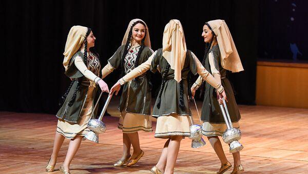 В танцах, как в зеркале, отражаются духовные стремления и богатая история грузинского народа - Sputnik Грузия