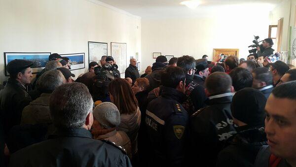 Акция протеста уволенных работников химического завода Азот - Sputnik Грузия