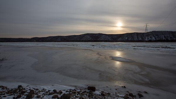 Лед на реке - Sputnik Грузия