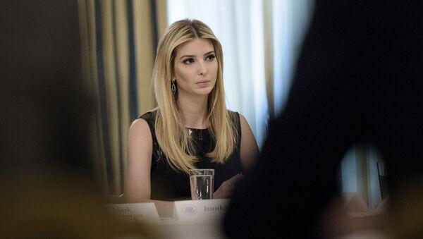 Иванка Трамп в обеденном зале Белого дома, Вашингтон - Sputnik Грузия