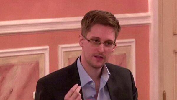 Экс-сотрудник американских спецслужб Эдвард Сноуден - Sputnik Грузия