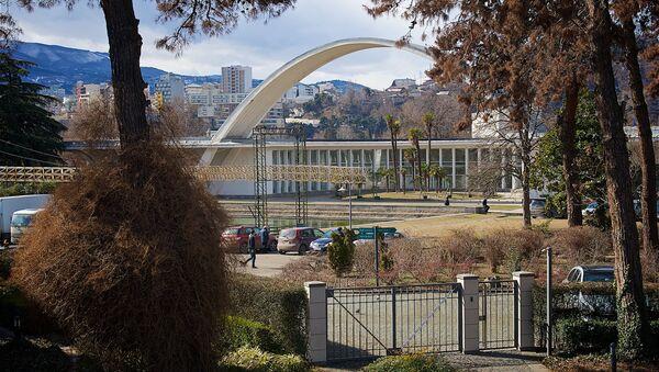 Вид на Тбилиси с территории выставочного центра Expo Georgia зимой - Sputnik Грузия
