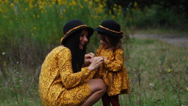 ნათია კუპრეიშვილი და მისი ქალიშვილი მართა - Sputnik საქართველო